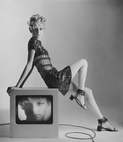 4.Twiggy in YSL by Bert Stern 1967