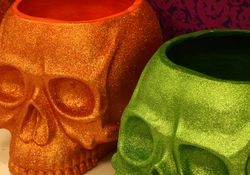 Orange and green skulls